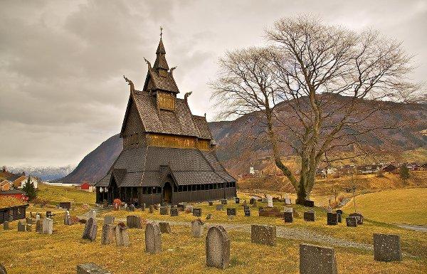 Hopperstad stavkyrkje (stave church). Image credit: Europe Trotter, 2013.